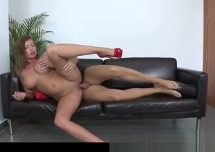 ample  Donna Bell In Audition