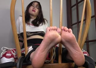 TheTickleRoom - Asian Novice Dia in..
