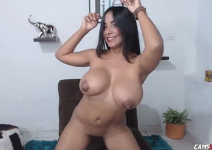 Meaty Boobies Muscle Camgirl Taunting..