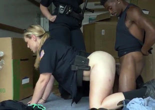 Ebony criminal gets nailed by these 2..
